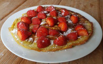 Aardbeien high-protein pannenkoek