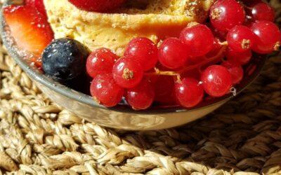 Fruit mug cake